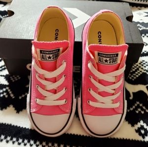 Converse Sneakers Toddler Size 9 New In box